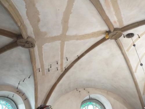 Prace remontowe i inwestycyjne w kościele w Łazanch